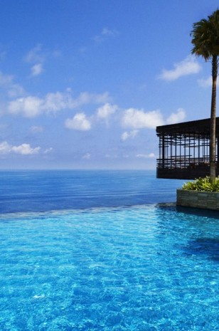 Fancy a swim? 10 amazing pools that will seduce you Fancy a swim? 10 amazing pools that will seduce you Amazing pools Alila Villas Uluwatu1 308x465