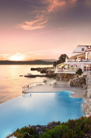 Fancy a swim? 10 amazing pools that will seduce you Fancy a swim? 10 amazing pools that will seduce you Amazing pools H  tel du Cap Eden1 308x465