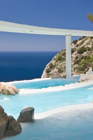 Fancy a swim? 10 amazing pools that will seduce you Fancy a swim? 10 amazing pools that will seduce you Amazing pools Hotel Hacienda Na Xamena1 308x465