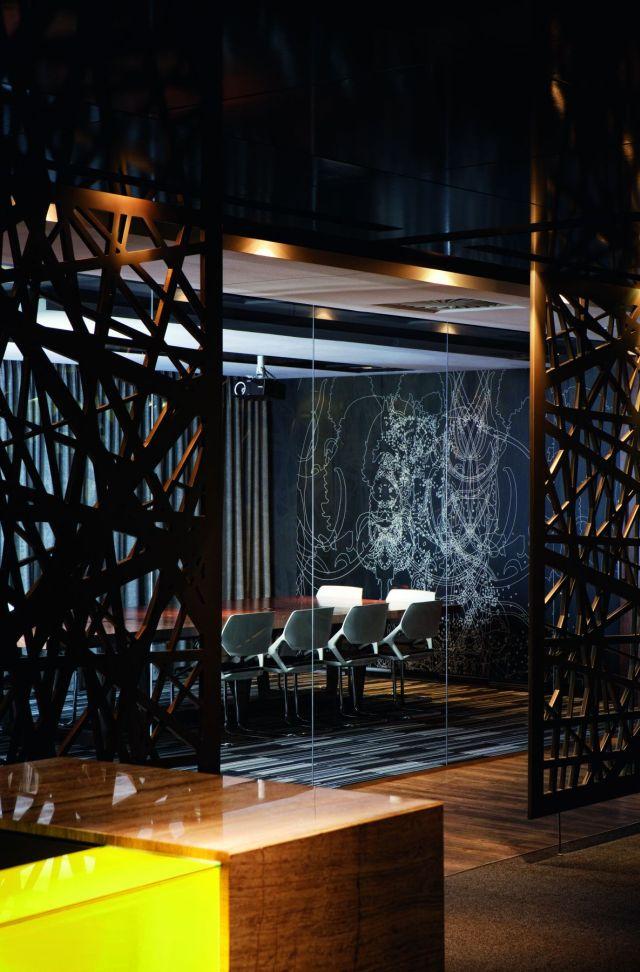 Elegant luxury office interior design ideas – Boca do Lobo office interior design Elegant luxury office interior design ideas – Boca do Lobo luxury corporate office interior design furniture meeting room