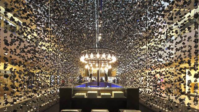 Beautiful-and- luxurious-boutique-stores- design-projects- 2014-Hublot