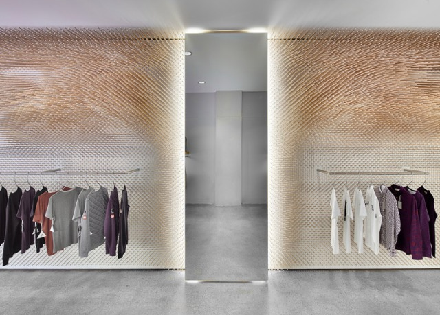 Beautiful-and- luxurious-boutique-stores- design-projects- 2014-MRQT-Boutique-by-ROK_ss_4