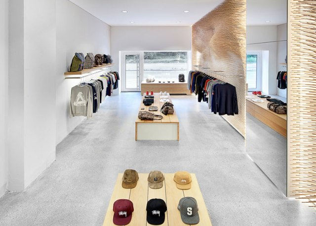 Beautiful-and- luxurious-boutique-stores- design-projects- 2014-_MRQT-Boutique-by-ROK_ss_9