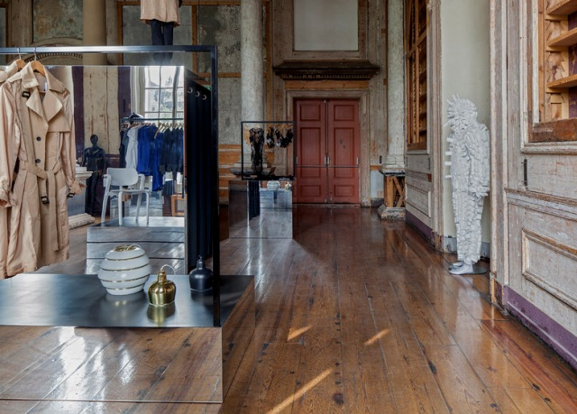 Spectacular_ fashion_boutiques_interiors-The-Frame-Store-by-i29_2
