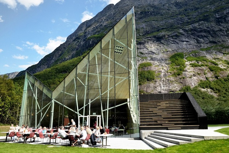 Design-Contract-Best-20-Design-Restaurants-Image6TrollWall