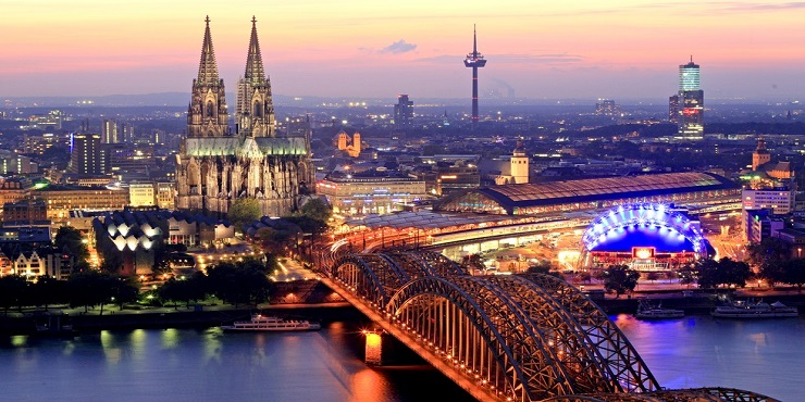 Design-Contract-Take-a-look-to-these-amazing-luxury-hotels-in-Cologne-CoverImage