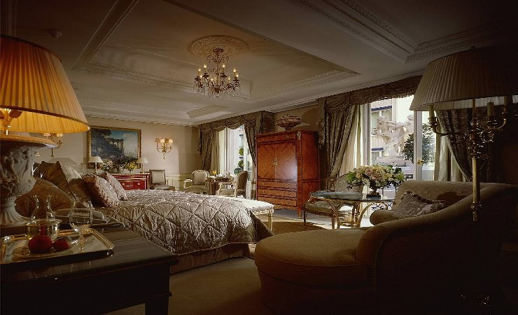 design-contract-four-seasons-george-v-by-pierre-yves-rochon-Image4.jpg