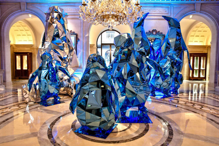 Best hotels christmas decorations around the world for 4 seasons decoration