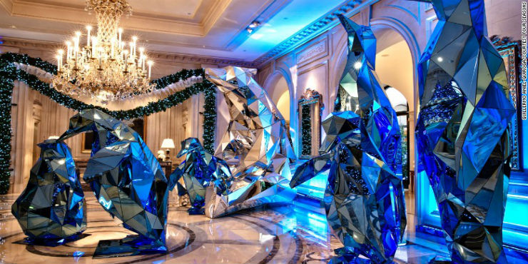 Best Christmas Decorations in Hotels around the world Best Hotels Christmas Decorations around the world Best Hotels Christmas Decorations around the world feature1