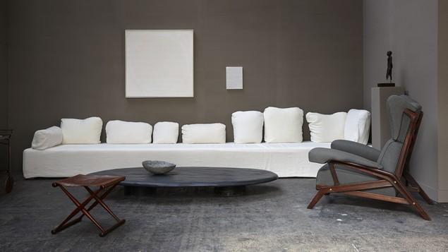 Outstanding Sofa by Axel Vervoordt Sofa design Outstanding Sofa design by Axel Vervoordt 2015 01 29 29 20140121brafa 003