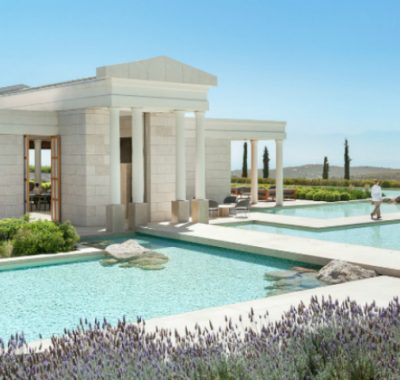 Top 5 Luxury Hotels in Greece To Enjoy The Perfect Vacation